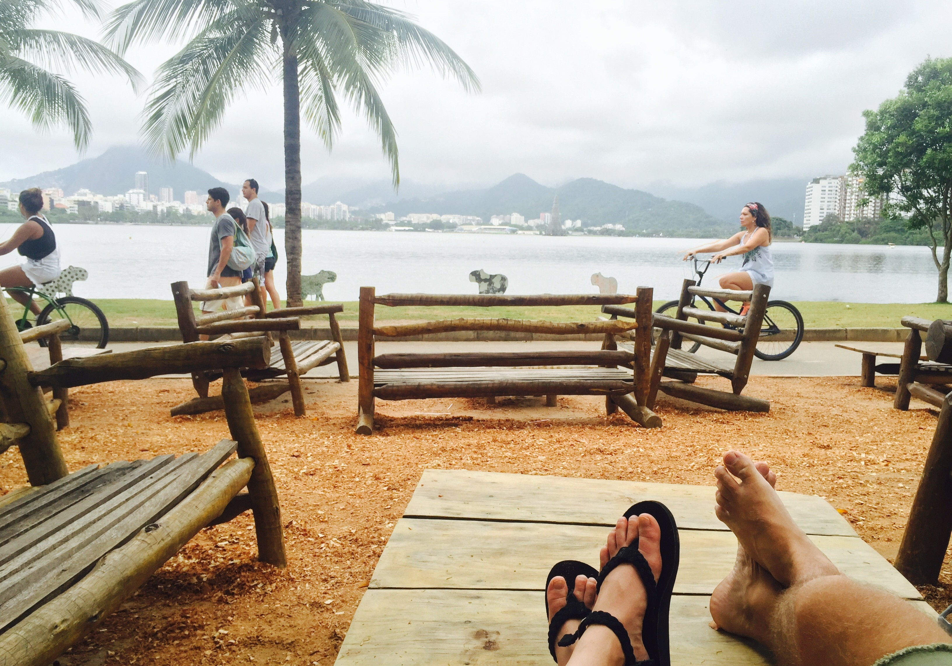 lounging by the Lagoa Rodridgo