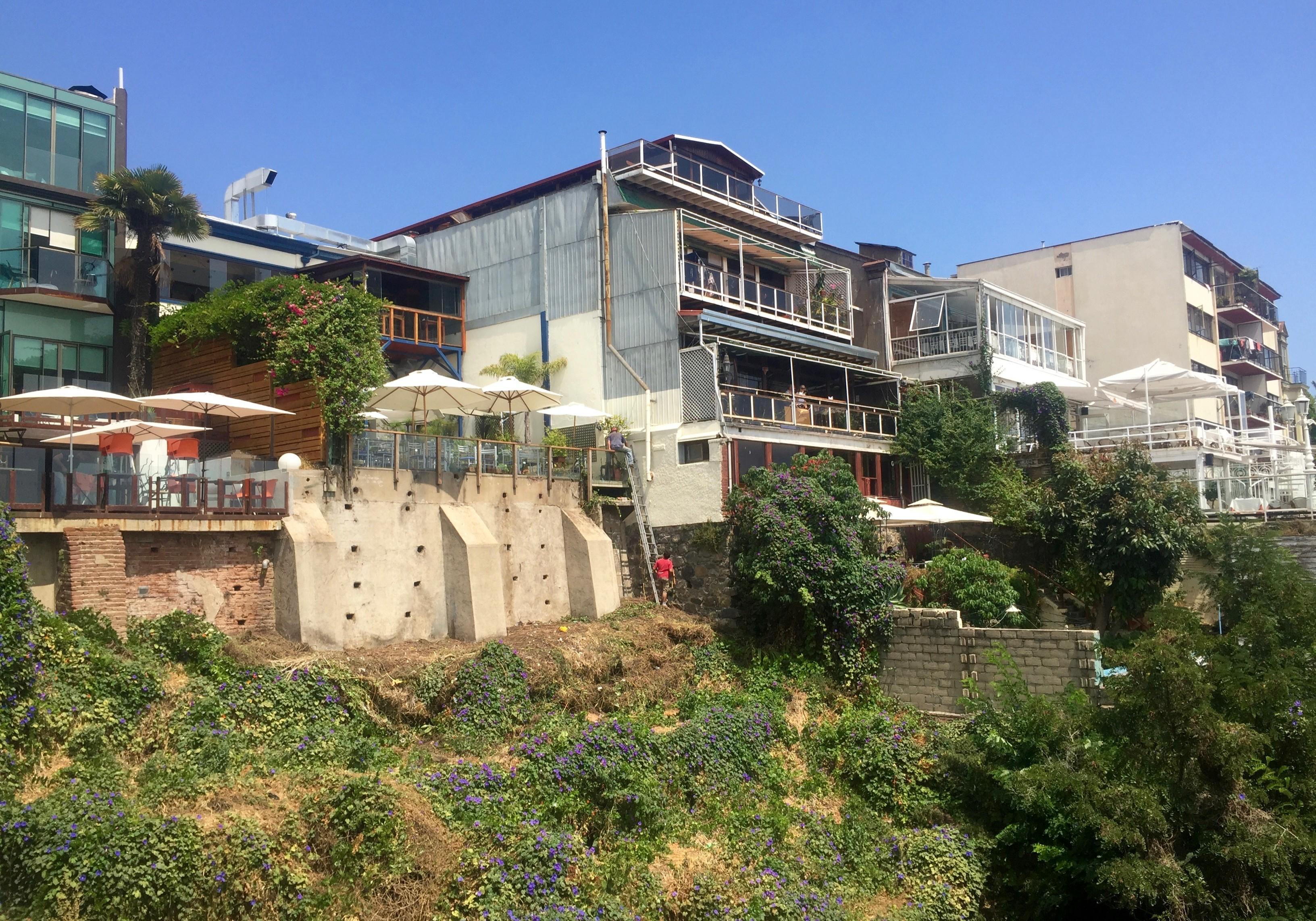 cliffside bars and restaurants